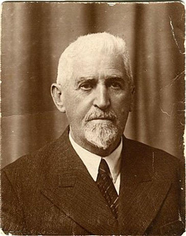 Доктор Айболит существовал на самом деле, и он действительно кормил молоком детей и лечил животных