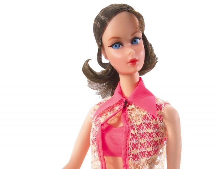 26самых необычных образов завсе время существования Барби, каждый изкоторых— целая история