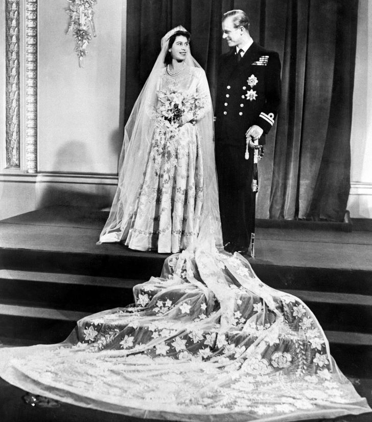 13самых прекрасных королевских свадебных образов отпрошлого века донаших дней