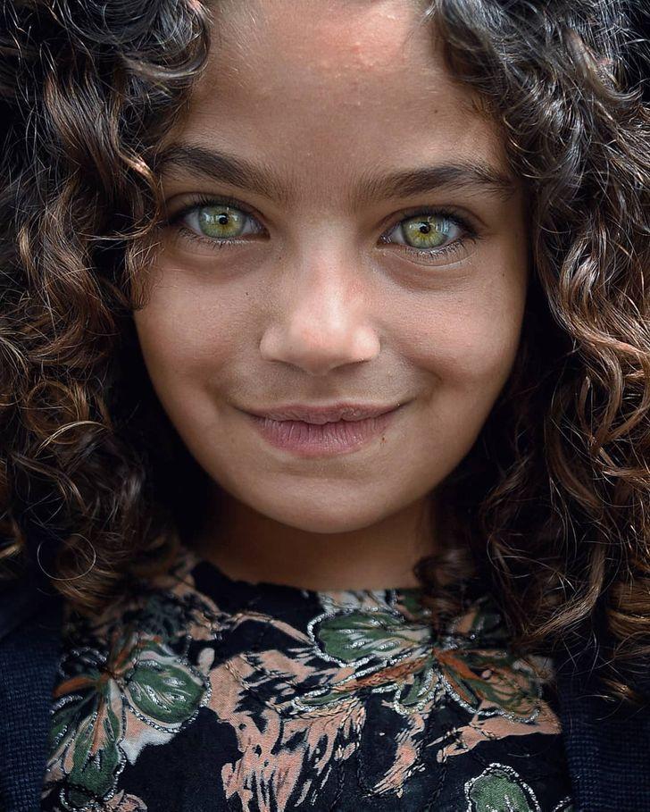 Турецкий фотограф снимает красоту детских глаз, которые сияют, словно драгоценные камни