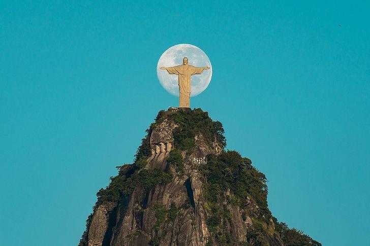 15 фактов, которые позволяют взглянуть на всемирно известные статуи по-новому