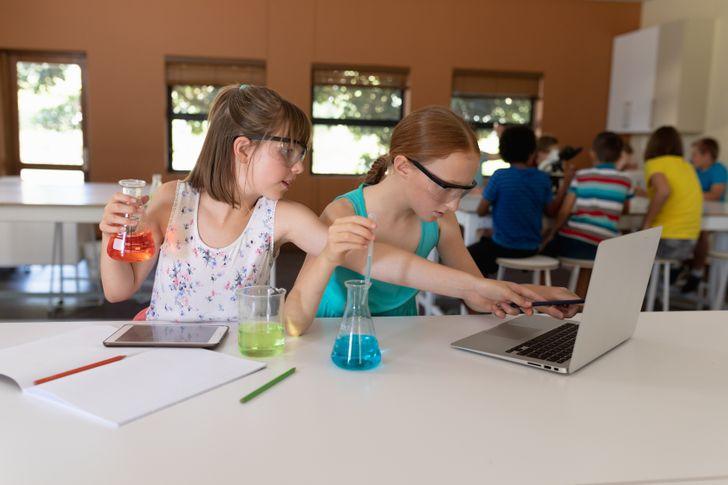 16 доказательств того, что учить детей — это та еще работенка