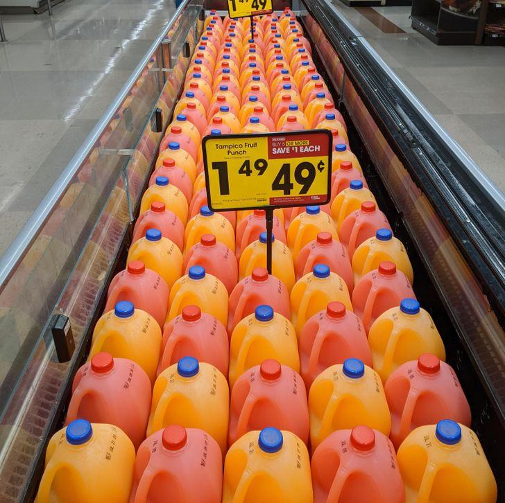 16 доказательств того, что в магазине можно увидеть что-то покруче, чем консервы по акции