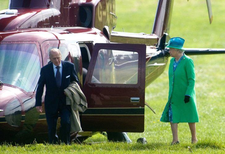 10 необычных должностей при королевском дворе (Можете попробовать занять одну из них)