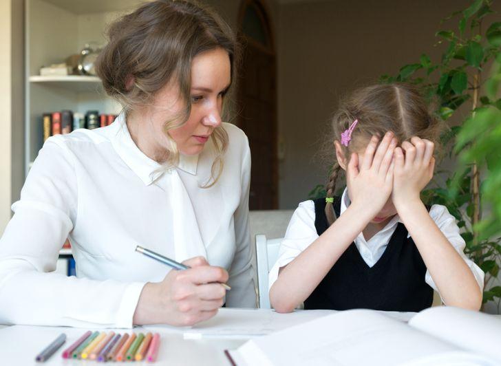 Я работаю учителем и объясню, откуда берутся «ученики-электровеники» и зачем родители делают уроки вместе с детьми