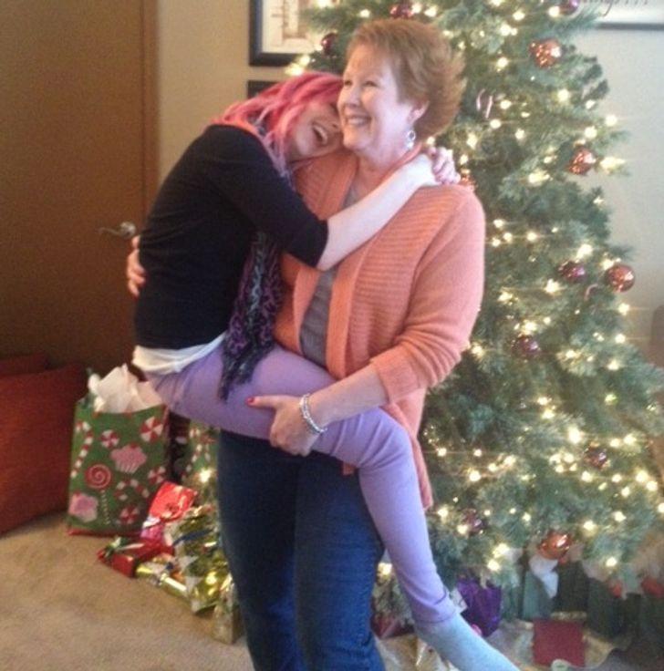 19 фото, доказывающих, что нет места безопаснее, чем рядом с мамой
