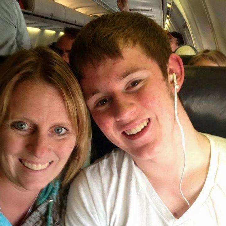 Женщина, потерявшая сына, насвоей свадьбе получила сюрприз, который заставил плакать всех вокруг