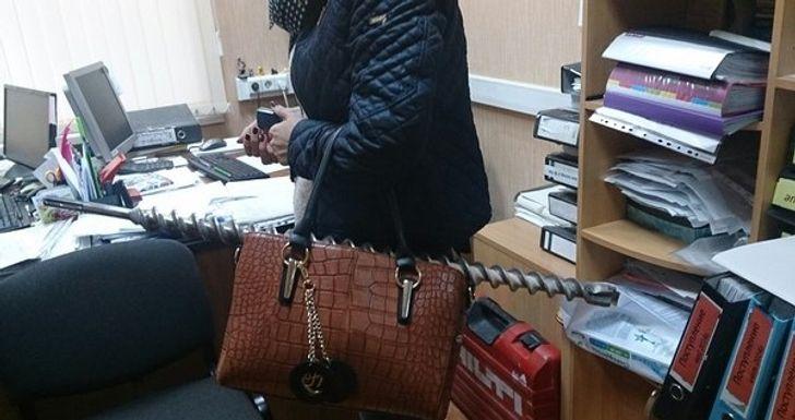 «Женщина — это ее сумка». Искрометный рассказ о том, что этот небольшой аксессуар полон тайн и сюрпризов