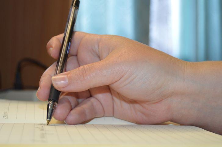 Статья, после которой вынизачто нестанете заставлять ребенка-левшу пользоваться правой рукой