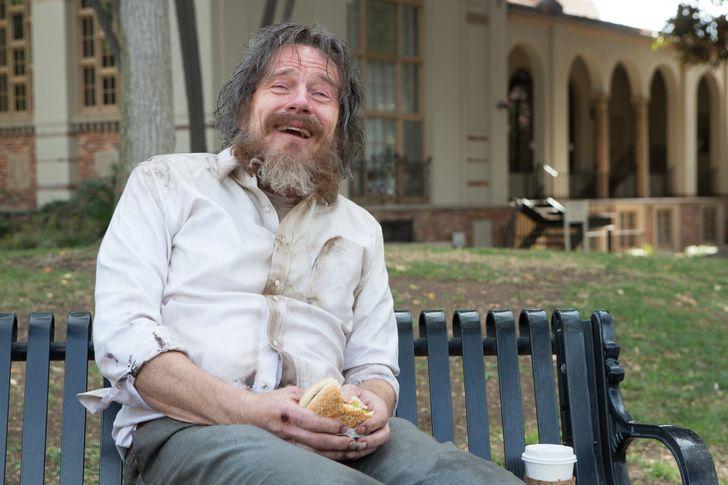 5 причин, почему лучше пройти мимо бездомного человека, а не пытаться ему помочь