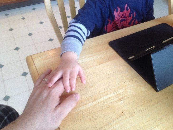 25+ доказательств того, что суровые с виду отцы любят своих детей больше всего на свете