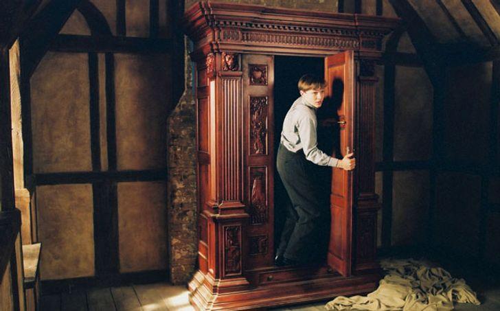 15ситуаций навечеринках, вкоторые попадают все любители литературы