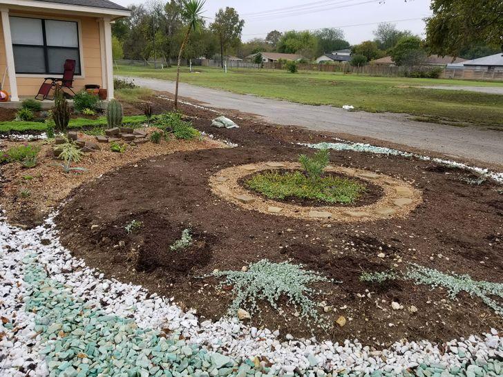 Мужчина выращивает сад впамять ожене. Апоночам ему помогает таинственный незнакомец