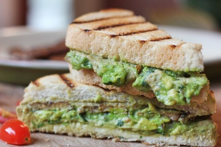 8безумно вкусных бутербродов, которые можно взять наработу