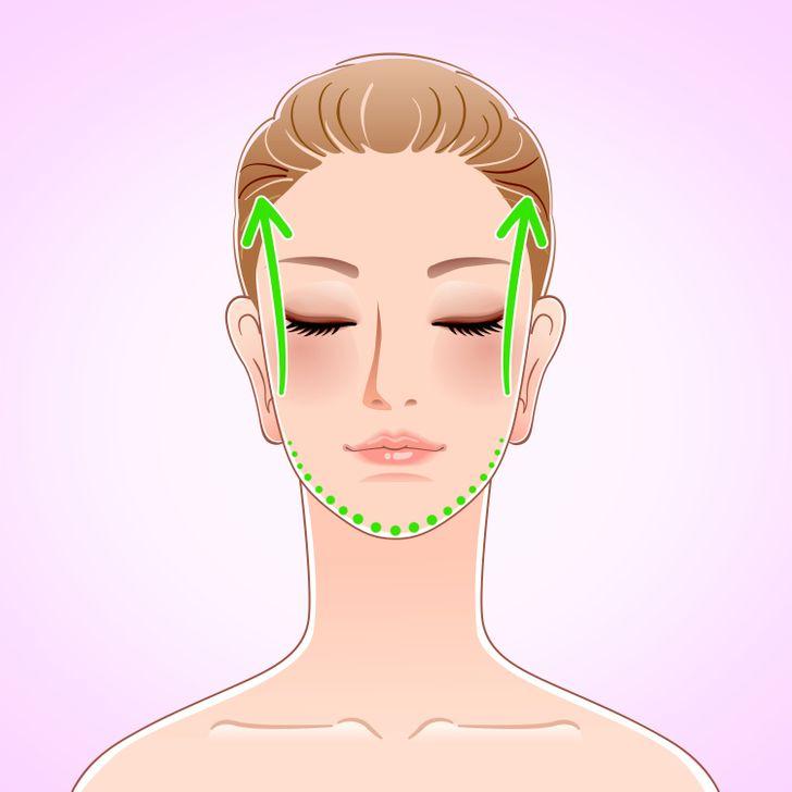 Мини-комплекс утренних упражнений, которые «разбудят» лицо и уберут отеки (Это займет не больше 7 минут)