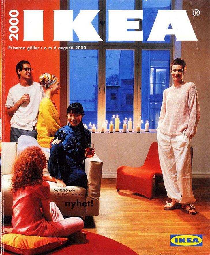 Эти обложки каталогов IKEA демонстрируют, как менялась мода наинтерьеры запоследние 70лет