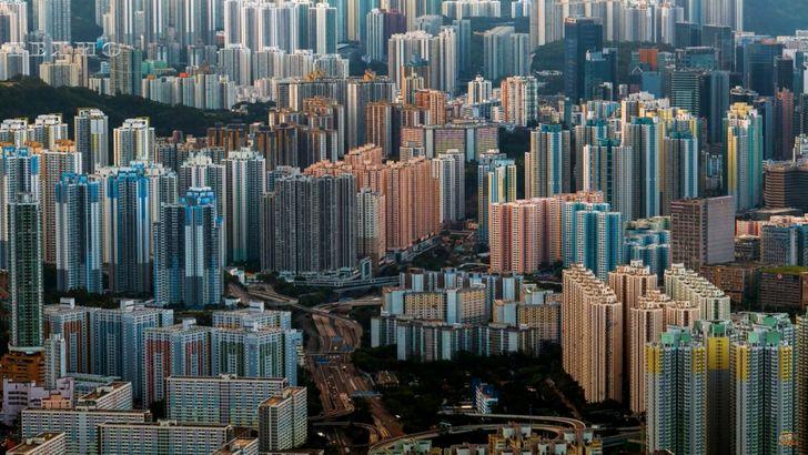 Посмотрите, какие квартиры скрываются внутри гонконгских домов-муравейников