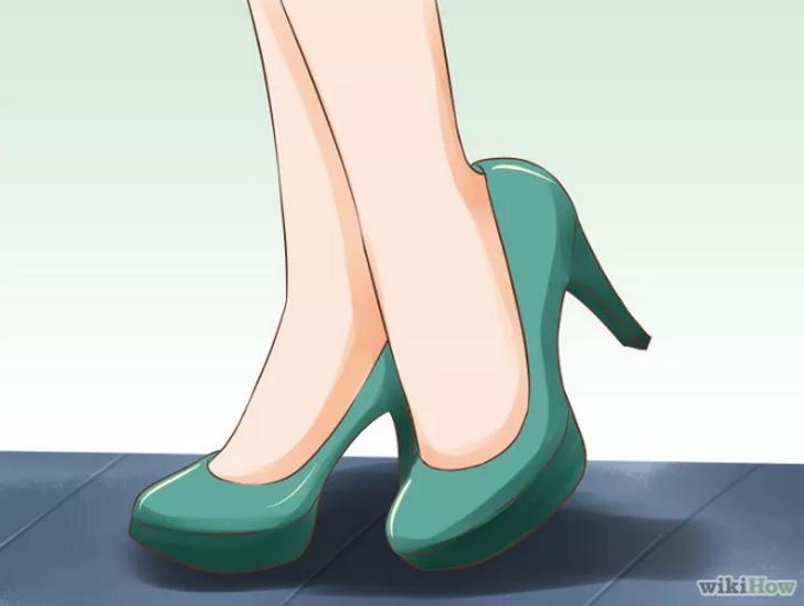 Правильная походка на каблуках девушки модели в камень на оби